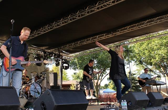 Off the Charts at Warrenvilles Concert on the Commons 71818