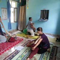 Massaggio Yoga Thailandese Posizione Laterale.