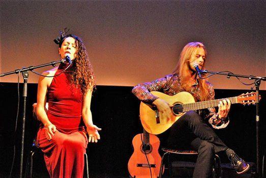 Oayim-Eine musikalisch-theatrale Reise via Kulturen und Sprachen