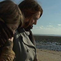 Batrice et Louise dans le film Larbre de lenfance