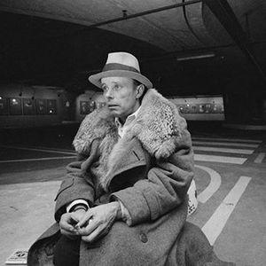 Domenica scontata. Beuys Viaggi in Italia -  100