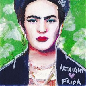 ArtNight Frida Kahlo vor grner Wand am 25042019 in Augsburg