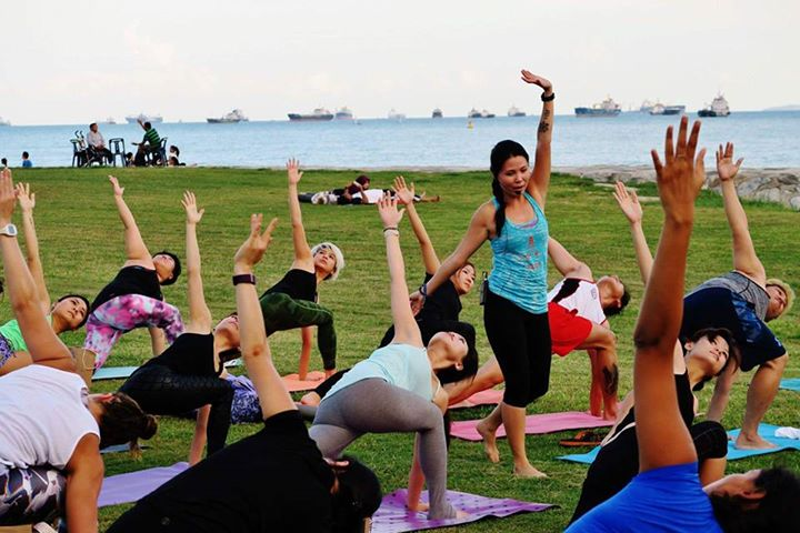 Outdoor Yoga with Yoga Seeds for CAR-FREE SUNDAY SG