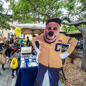 Homecoming 2018 at Cal Caf