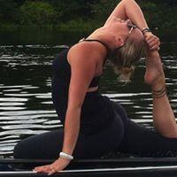 SUP Yoga and Teacher Training
