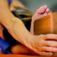 Clase Especial Los apoyos en la Prctica de Yoga El bloque.