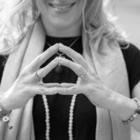 Mudras as Medicine with Lisa Cipparone