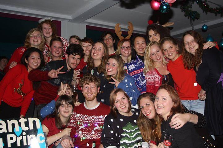 Foute Kersttrui Borrel.Foute Kersttruien Borrel At De Bastaard Utrecht