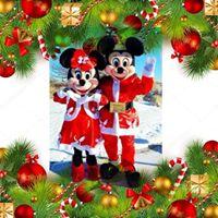 Free Holiday Photos with Christmas Mickey &amp Minnie