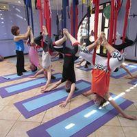 Formao em Aerial Yoga Braslia