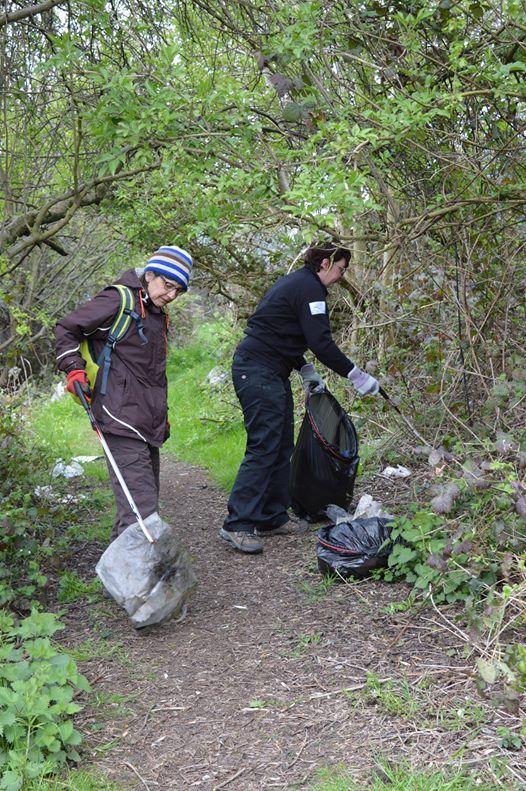Spital Trail Volunteer Day - Holme Brook