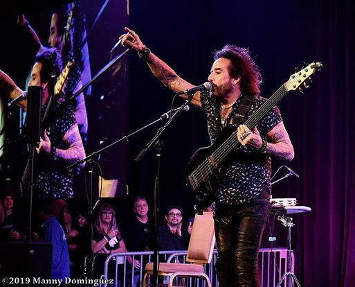 Marco Mendoza (Thin Lizzy-The Dead Daisies-Whitesnake)  Support