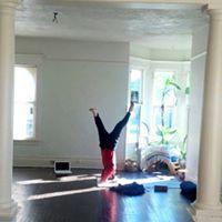 Community Yoga with Gwi-Seok