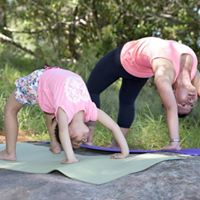 Family yoga in Annandale