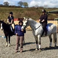 Confidence building show jumping clinic