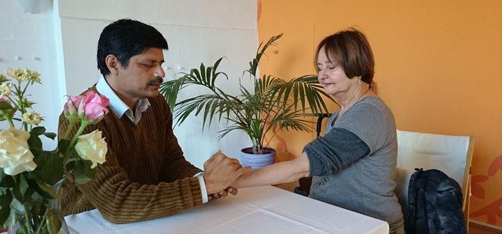Ayurvedische Pulsdiagnose mit Vaidya Saroj Kumar in Berlin
