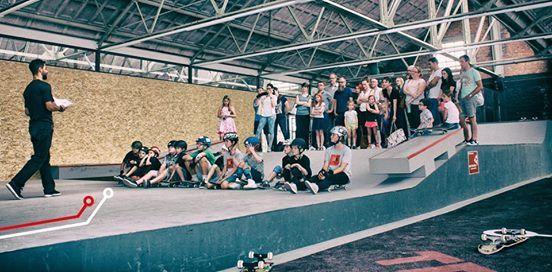 Skate - Family Park ism Skateboard Academy