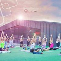 Rooftop Sunset Yoga az F&ampM-ben