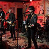 The Weeklings at Daryls House Club