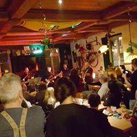 Lovehunter - Live Im Pub