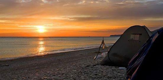 JUST THALASSOPHILEs - Beach Bonfire Camping