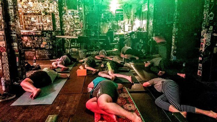 820 Milestone Yoga