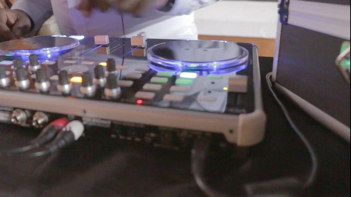 Friday Night Chill w DJ Urbanphilospher