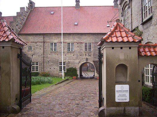 Fuldt booket - Besg p Aalborg Kloster