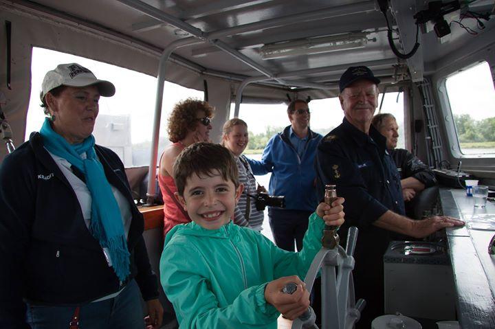 Kindvriendelijke tocht op mijnenveger Mahu naar Pampus varen