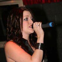 Live Entertainment with Nikki Aston