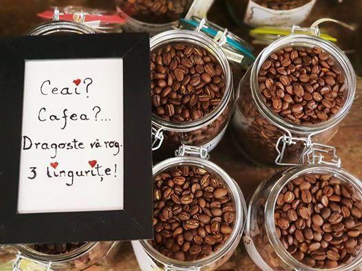 TRG de CAFEA cu Arom De Cri