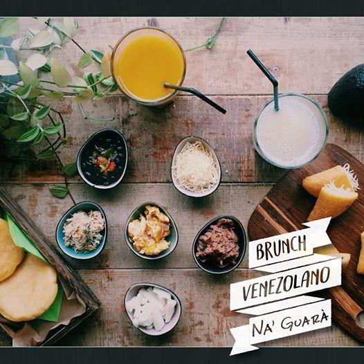 Brunch Venezolano  Venezolaanse brunch arepa malta etc.