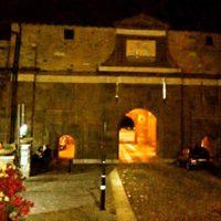 Passeggiata gotica notturna a lume di candela Bergamo replica