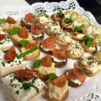 Canapes &amp Petit four
