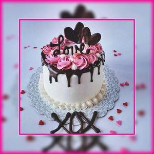 Valentine Cake Decorating