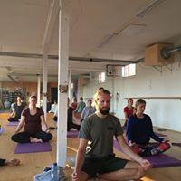 Late Sunday Session Yoga