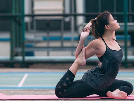 Yoga Core with Dawn