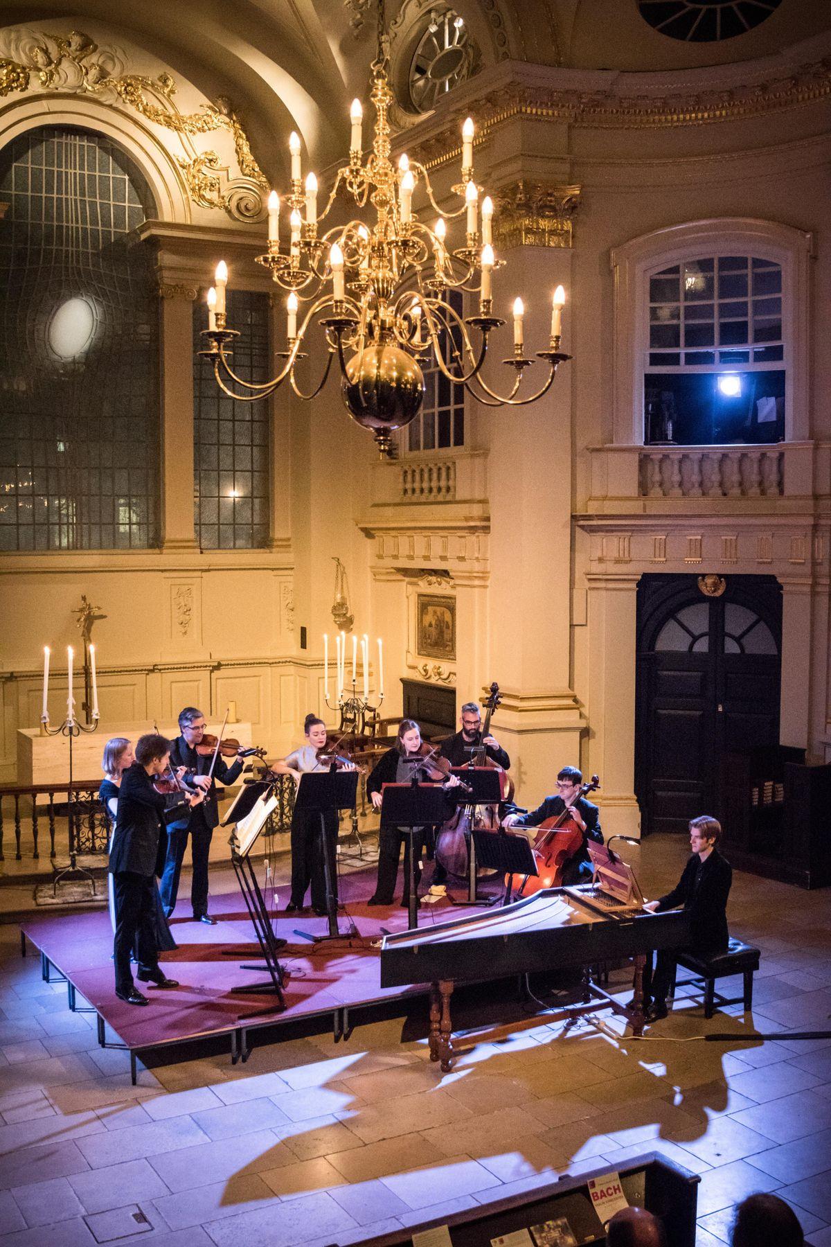 Mozarts Eine Kleine Nachtmusik by Candlelight