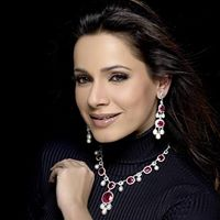 Meet with neelam kothari at 91a 1 park street kolkata for Hm diwan jewellers