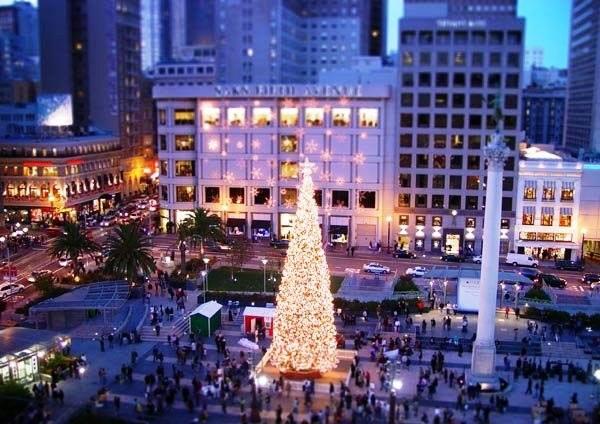 christmas shopping at union square san francisco