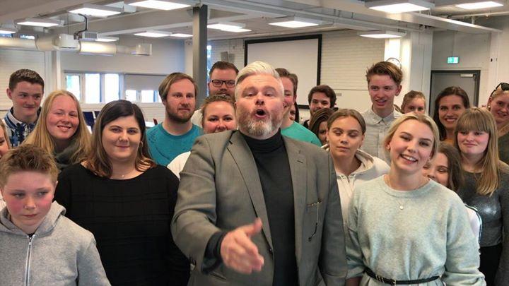 Rein Alexander og Defrost Youth Choir at Hamar kulturhus ...
