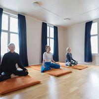 Pust yoga og dybdeavspenning