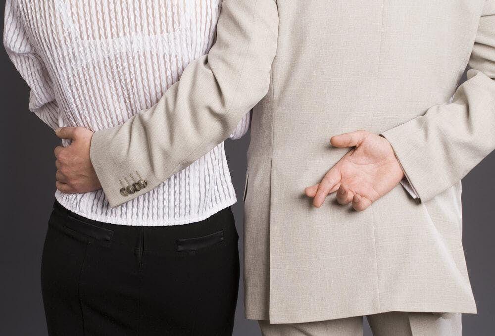 Tiivistelmä avio liitto ei dating EPS 16 osa 2
