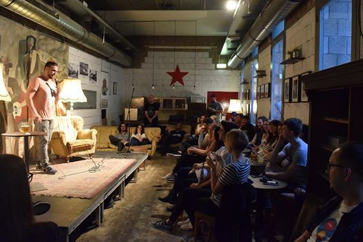 English Comedy Jokes On You Im 7 Stern Wohnzimmer At Cafe7stern