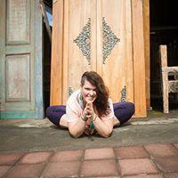 Embodied Flow Yoga Masterclass mit Britta Kimpel