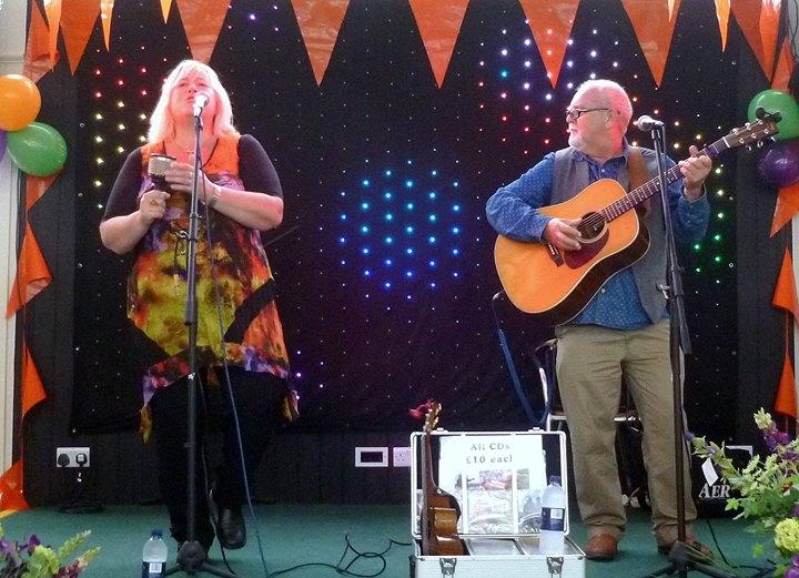 Sally Ironmonger & Brian Carter at Bracknell Folk Club