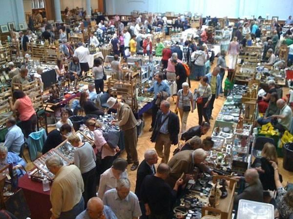 Antique & Collectors & Vintage Fair