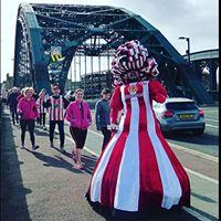 Sunderland 10km And Half Marathon startline Hi Five