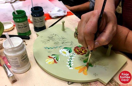 Pictur tradiional pe mobil cu Annie Sloan Chalk Paint-baza