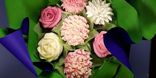 Cake Decorating Class Cup Cake bouquet